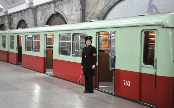 Le metro de Pyongyang, classé parmi les plus beaux du monde