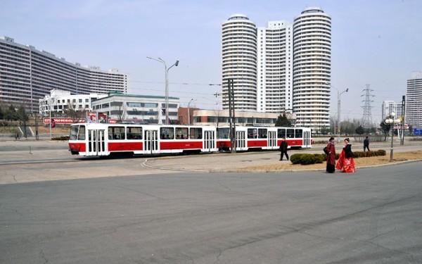 Les vieux tramways occidentaux ont retrouvés une seconde jeunesse dans Pyongyang