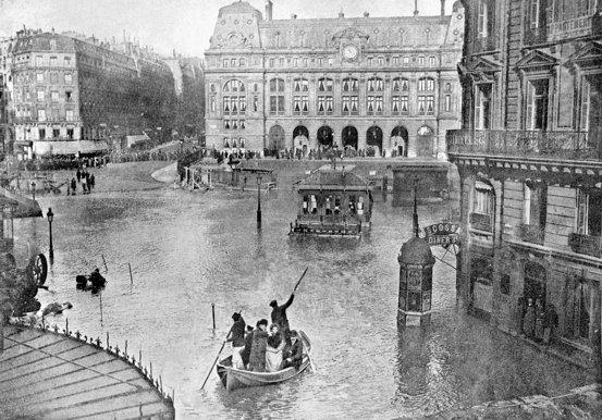 La gare Saint Lazare sous l'eau pendant la grande crue de 1910!