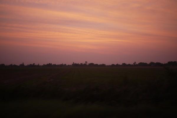 Couché de soleil sur la campagne thaï