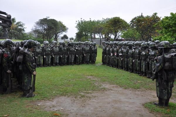 Des dizaines de soldats.... de pierre!