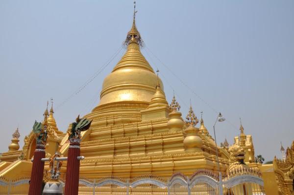 Les impressionnantes pagodes de Mandalay