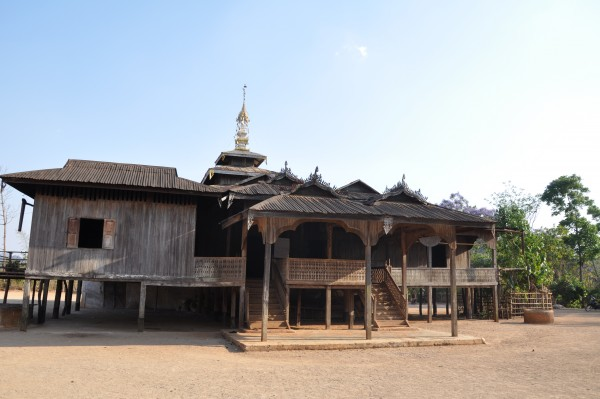 Le monastère du village, qui héberger autrefois les randonneurs