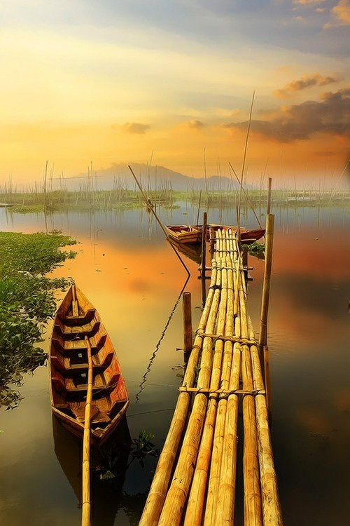 Ponton en bambou en Indonésie