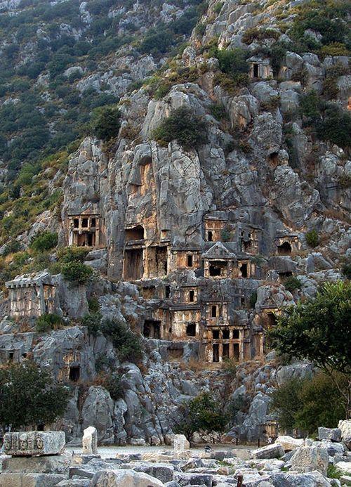 Les maisons troglodytes de Lycia en Turquie