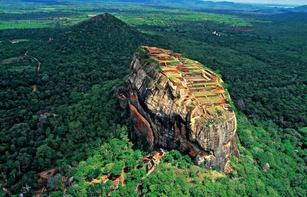 La roche au lion, au Sri Lanka