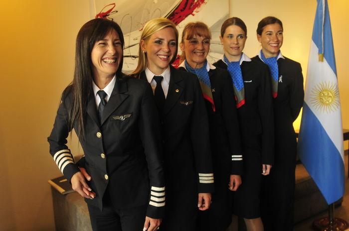 Aerolineas-Argentinas-crew