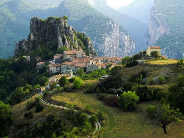 Le village de Rougon, à découvrir!