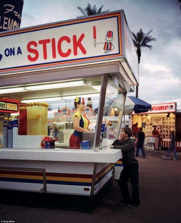 Vendeur typique de hotdog aux Etats-Unis