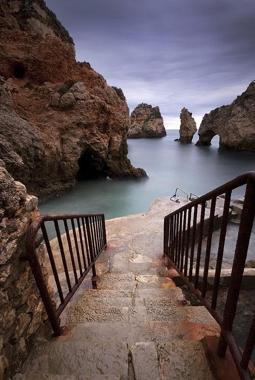 Un escalier vers la mer en Algarve