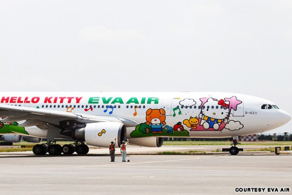 hello-kitty-plane