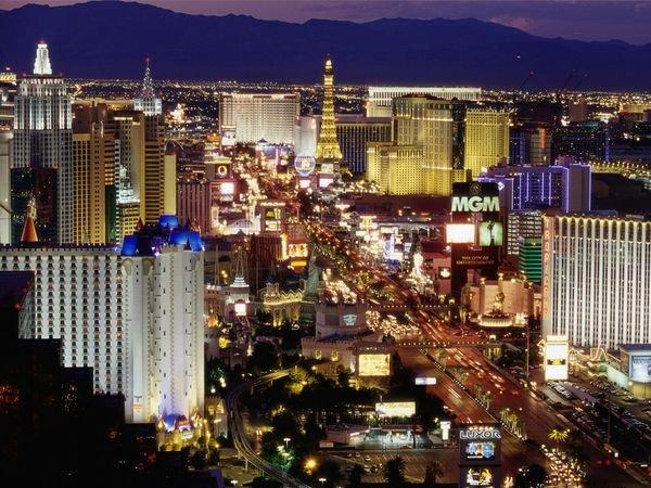 Le top 10 des villes où les voyageurs d'affaires peuvent s'amuser le soir